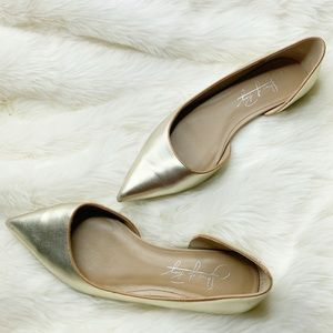 Shoes of Prey Women's Pointed Gold Flats 6.5